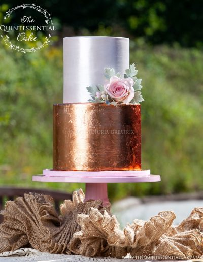 Rose Gold Cutting Cake | The Quintessential Cake | Chicago | Luxury Wedding Cakes | Abbey Farms | The Celebration Society Magazine